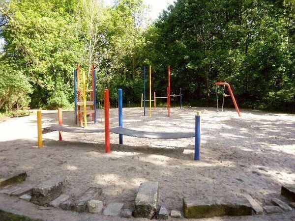 spielplatz abtnaundorfer park stadt leipzig. Black Bedroom Furniture Sets. Home Design Ideas