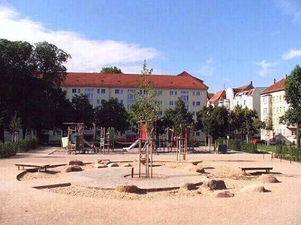 spielplatz steinplatz stadt leipzig. Black Bedroom Furniture Sets. Home Design Ideas