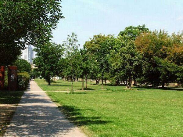 spielplatz lene voigt park kletterplatz stadt leipzig. Black Bedroom Furniture Sets. Home Design Ideas